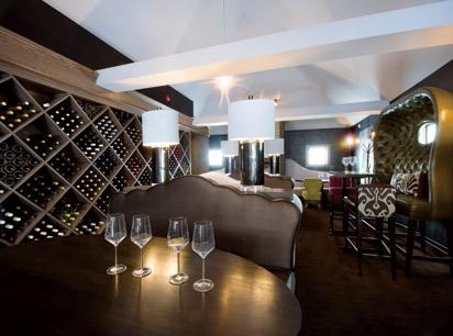 Vin Room 1